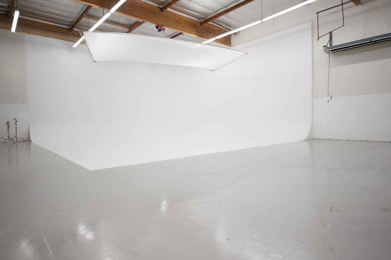 fotografo a verona white studios limbo a verona studio fotografico still life di grandi dimensioni automobili